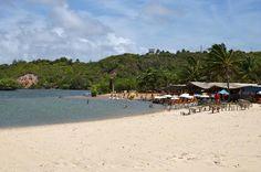 Barzinhos na beira da praia de rio