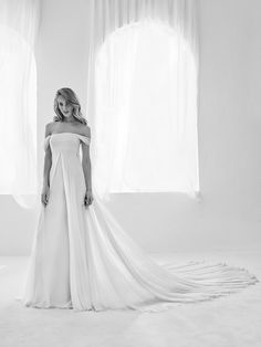 "Youthful wedding dress - ""Raggio"" Atelier Pronovias 2018 Haute Couture"