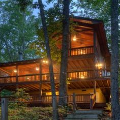 The Misty Lake Getaway, right on the lake with hot tub