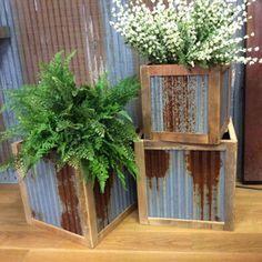 Simple Metal Window Boxes Design For Flower Basket Simple Metal Planter Boxes Design & other ide Diy Garden, Garden Projects, Garden Art, Garden Design, Garden Ideas, Diy Projects, Metal Projects, Porch Garden, Outdoor Projects