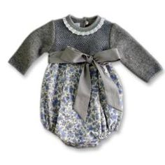 Pelele bebé Foque. Cute Babies, Baby Kids, Baby Boy, Newborn Outfits, Kids Outfits, Designer Baby Clothes, My Little Girl, Classic Outfits, Baby Knitting