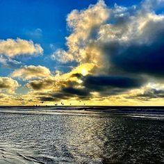 Oh to be blessed with such a view ❤ 📷: Linda Davis    #View #Breathtaking #StGeorgeIslandFL #RVPSGI #Apalachicola #Travel #VisitFL #SGI #GulfofMexico #stgeorgeisland #familytravel #beach #beachlife #gulfcoast #lovefl #saltlife #coastal #beachdreams #islandlife #oysters #beachlover #Beautiful #forgottenCoast    #Regram via @www.instagram.com/p/B6eBO73ncNX/ Linda Davis, Vacation Resorts, Gulf Of Mexico, Island Life, Oysters, Family Travel, Coastal, Sunrise, Blessed