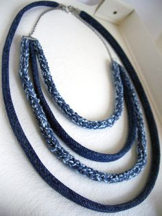 Declaración upcycle ahumado collar cielo azul azul-Vintage denim indigo