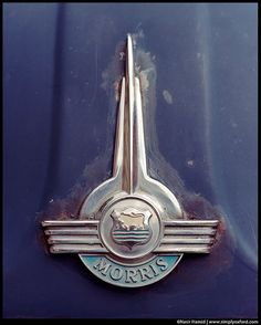 Morris Minor...Re-pin brought to you by agents of #Carinsurance at #Houseofinsurance in Eugene, Oregon Car Badges, Car Logos, Auto Logos, Morris Minor, Morris Traveller, Morris Oxford, Old Fashioned Cars, Car Hood Ornaments, Old Garage