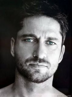 Gerard Butler...his Jerry from PS I love you is possibly the closest thing to Mr. Perfect that I have come across in fiction and real life... Gerard Butler, Eye Candy, Hot Guys, Eyes, Face, Delish, Male Beauty, Cat Eyes, Faces