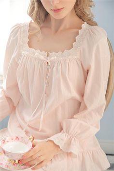 """Style S16047 Fabric 100% Cotton Top size Length Bust Sleeves XS 23.6"""" =60 cm 34.6"""" - 36.2"""" = 88 - 92 cm 24"""" = 61 cm S 24.2"""" = 61.5 cm 36.2"""" - 37"""" = 92 - 94 cm 24.4"""" = 62 cm M 24.8"""" = 63 cm 37"""" - 38.6"""""""
