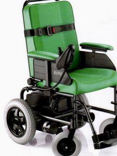 La sedia a rotelle motorizzata si contraddistingue dalle altre ...