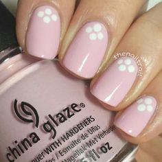 Nail art has never been this easy! Ditch the tools and opt for these simple nail art ideas instead. All you need is nail polish and creativity! Nail Art Hacks, Nail Art Diy, Easy Nail Art, Diy Nails, Simple Nail Art Designs, Best Nail Art Designs, Short Nail Designs, Design Ongles Courts, French Nails