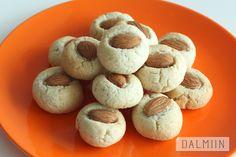 고소한 아몬드쿠키(No버터.밀가루) : 네이버 블로그 Confectionery, Stuffed Mushrooms, Food And Drink, Cookies, Vegetables, Recipes, Food And Drinks, Food Food, Stuff Mushrooms