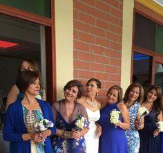 Todas estamos felices Bridesmaid Dresses, Wedding Dresses, Crown, Fashion, Bridesmaids, Wedding, Pictures, Bride Maid Dresses, Bride Gowns