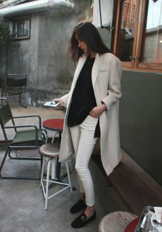 oversize white coat with white pants. black shirt and black flatshoes. just love it!
