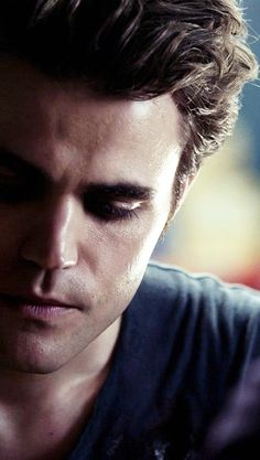 paul wesley - stefan salvatore - vampire diaries<3