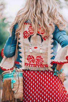 Shopping Women Bohemian Fashion Long Sleeve Tassel Jacket online with high-quality and best prices Jackets at Luvyle. Mode Hippie, Hippie Style, Bohemian Style, My Style, Hippie Bohemian, Denim On Denim, Denim Look, Denim Jacket With Dress, Jacket Jeans