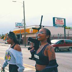 cute guns for women Soft Ghetto, Ghetto Fabulous, Gangsters, Black Girl Magic, Black Girls, Fille Gangsta, Thug Girl, Hood Girls, Gangster Girl