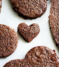Valentines Dessert for Kids {Brownie Pizza} Chocolate Mint Brownies, Chocolate Cake Mixes, Sugar Cookie Frosting, Sugar Cookies Recipe, Mint Frosting, Best Cake Recipes, Pound Cake Recipes, Rose Cake Tutorial, Brownie Pizza