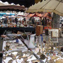 Flea Market: The 10 best flea markets in France Antique Market, Vintage Market, Antique Shops, Flea Removal, Luberon Provence, Provence France, Flea Market Booth, Store Window Displays, Booth Displays