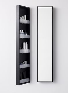 Tips for små bad Small Space Bathroom, Small Spaces, Aspen, Room Interior, Bathroom Medicine Cabinet, Tall Cabinet Storage, Bathroom Ideas, Furniture, Rooms