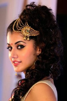 Taapsee Pannu Hot Boobs, Taapsee Pannu Sexy Smile, Taapsee Pannu Hot Saree Navels,Taapsee Pannu Bed Romance With Blouse Removing,Taapsee Pannu Cute Navels Beautiful Girl Indian, Beautiful Indian Actress, Beautiful Eyes, Most Beautiful, Beautiful People, Beauty Full Girl, Beauty Women, Beauty Girls, Images Wallpaper