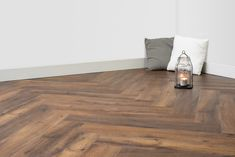 Floer Walvisgraat PVC - Narwal Nootbruin - Home inspiration - Hardwood Floors, Flooring, New Homes, Room Decor, House Design, Living Room, Interior Design, Inspiration, Future
