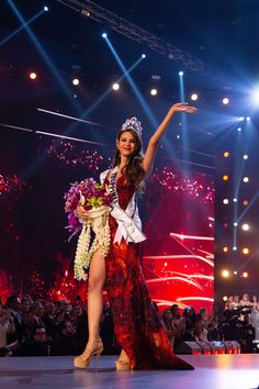Catriona Elisa Magnayon Gray - Philippines - Miss Universe 2018 Miss Universe Philippines, Miss Philippines, Miss Universe Dresses, Grey Wallpaper Iphone, Cami Mendes, Filipina Beauty, Dreamy Photography, Indian Bridal Outfits, Miss World