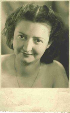 Solange Bertrand en juin 1949. www.fondationsolangebertrand.org
