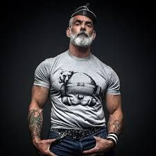 Why am I seeing all these hot older men? Anthony Varrecchia, Mode Hipster, Style Masculin, Look Man, Silver Foxes, Beard Tattoo, Beard No Mustache, Mature Men, Hair And Beard Styles