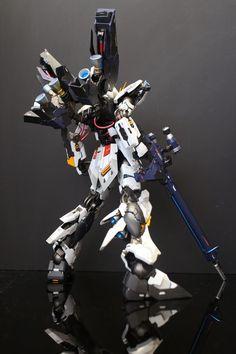MG nu Gundam Ver. Ka - Custom Build - Gundam Kits Collection News and… Big Robots, Cool Robots, Gunpla Custom, Custom Gundam, Armored Core, Gundam Mobile Suit, Gundam Art, Robot Concept Art, Custom Paint Jobs