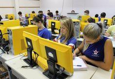 A Secretaria de Estado da Educação inicia o período de matrículas nas 1.073 escolas estaduais nesta quinta-feira, 30, no ensino fundamental, médio, profissionalizante e nos Cejas (Centro de Edu
