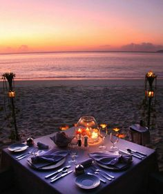 Private dinner for two on the beach at Villa del Arco Beach Resort & Spa Los Cab. - Private dinner for two on the beach at Villa del Arco Beach Resort & Spa Los Cabos. Romantic Picnics, Romantic Beach, Romantic Night, Romantic Dates, Romantic Dinners, Romantic Ideas, Romantic Dinner Setting, Romantic Travel, Romantic Pictures