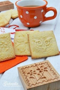 Gabriella kalandjai a konyhában :) Biscuit Cookies, Cake Cookies, Bakery Recipes, Cookie Recipes, Stamp Cookies Recipe, No Bake Desserts, Dessert Recipes, Favorite Cookie Recipe, Cookie Time