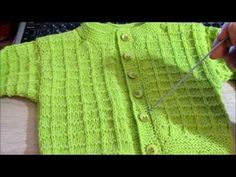 Простая кофточка для малыша спицами. Baby jacket knitting. - YouTube