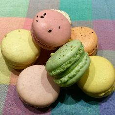 Lovely Spring French Macarons.  Gluten Free Goodness! Gluten Free Recipes, Macarons, Kids Meals, Free Food, Tasty, Breakfast, Desserts, French, Spring
