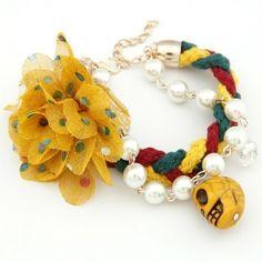Lady wear pretty flower weave Pearl skull pendant double layer bracelet