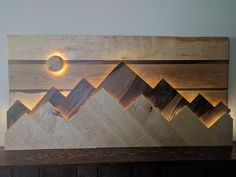 Unique Wooden Wall Decor Art Ideas For Your Home - Savvy Ways About Things Can Teach Us : The paneled wall is strikingly bold and I like the additional dimension it increases the space. As a boring or empty wall is similar to a canvas which. Diy Wand, Wooden Wall Decor, Wooden Walls, Wall Wood, Wall Décor, Diy Wall Art, Wall Art Decor, Fabric Wall Decor, Unique Wall Decor