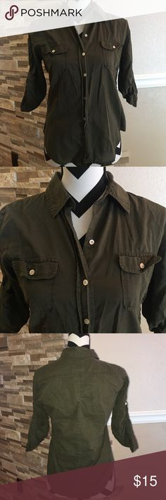 Gap Army Top Good condition GAP Tops Button Down Shirts