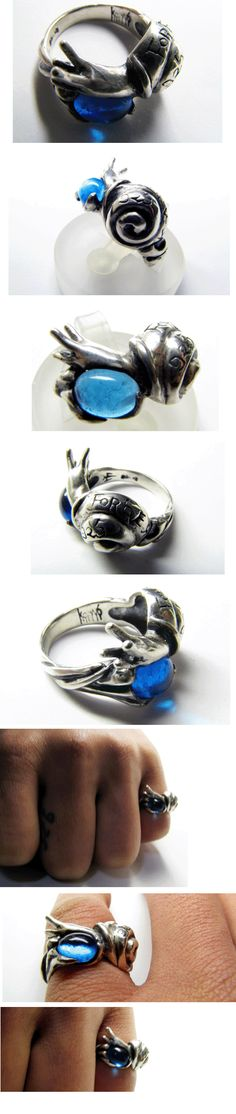 Snail hold Aquamarine ring
