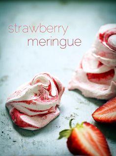 Strawberry Meringues | incredibly easy & delicious recipe