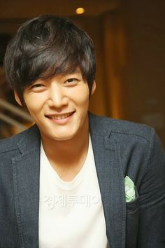 Choi Jin  Hyuk, his voice and that body are to die for