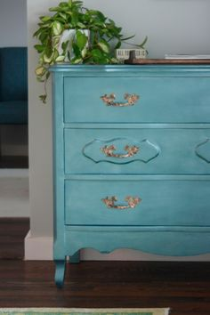 Gorgeous Dresser Makeover With Metallic Paint