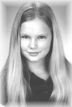 Taylor Swift - Singer : Another baby Swift photo, wow!
