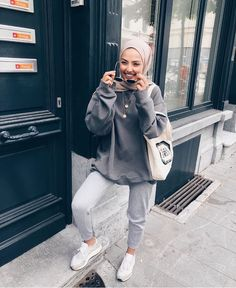 k mentions J'aime, 159 commentaires - SAMIA. - k mentions J'aime, 159 commentaires – SAMIA… – # Modern Hijab Fashion, Hijab Fashion Inspiration, Muslim Fashion, Modest Fashion, Fashion Outfits, Women's Fashion, Fashion Trends, Tokyo Street Fashion, Street Hijab Fashion