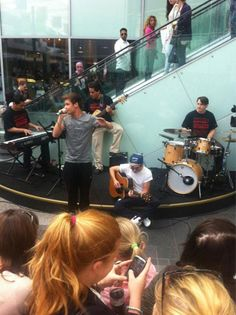 Niall and Liam Busking