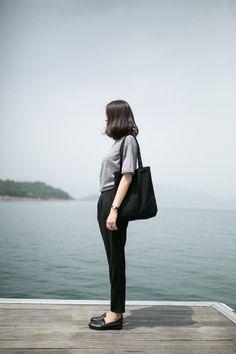 New Fashion Black Simple Minimal Chic 38 Ideas Minimal Chic, Minimal Fashion, New Fashion, Trendy Fashion, Korean Fashion, Fashion Outfits, Womens Fashion, Fashion Trends, Dress Fashion