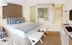 entara Grand Azuri Resort & Spa ***** - Mauricio Hotel Bedrooms, Resort Spa, Small Spaces, Hotels, Sea, Furniture, Home Decor, Honeymoons, Decoration Home