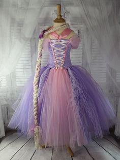 dacede37c10 97 meilleures images du tableau Robes de princesses en 2019 ...