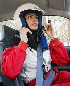 Better than Grid Girls? How about women who can actually DRIVE! Turban, Sports Hijab, U Go Girl, Iranian Women, Arab Fashion, Grid Girls, Muslim Women, Women In History, Powerful Women
