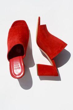 Top 10 #pantone colors – fall/winter 2016-2017: Aurora Red #benchbagstheblog