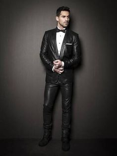 Men& leather suit by la marque collection the ultimate tuxedo. Mens Fashion Suits, Fashion Pants, Look Fashion, Moda Men, Mens Leather Pants, Men's Leather, Alexander The Great, Sharp Dressed Man, Leather Fashion