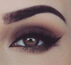 Dark brown smoky eye