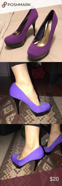"MAKE AN OFFER! NWOB-SIZE 10 Purple 5 1/2""Stiletto MAKE AN OFFER! NWOB - SIZE 10 Anne Michelle Purple 5 1/2"" Black Stiletto Heel with 1"" Platform.  True to size Anne Michelle Shoes Heels"